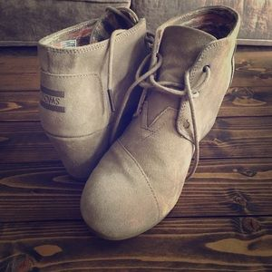 TOMS wedged booties